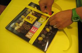 Exemple de papier cadeau pour chocolats